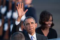 Berlin, der US-amerikanische Praesident Barack Obama und seine Frau Michelle am Dienstag (18.06.13) am Flughafen Tegel in Berlin.