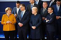 Angela Merkel, le Premier Ministre finlandais Juha Sipilä, Dalia Grybauskaite,Présidente de la République de la Lituanie et le Président français Emmanuel Macron lors de la photo de famille au Sommet européen à Bruxelles.<br /> Belgique, Bruxelles, 22 mars 2019 <br /> Chancellor of Germany Angela Merkel, Finland Prime Minister Juha Sipila, Lithuania President Dalia Grybauskaite, President of France Emmanuel Macron talk as they pose for a family photo during the European Union summit.<br /> Belgium, Brussels, 22 March 2019.