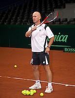 16-9-09, Netherlands,  Maastricht, Tennis, Daviscup Netherlands-France, Training, Techniesch directeur Rokan Goetske
