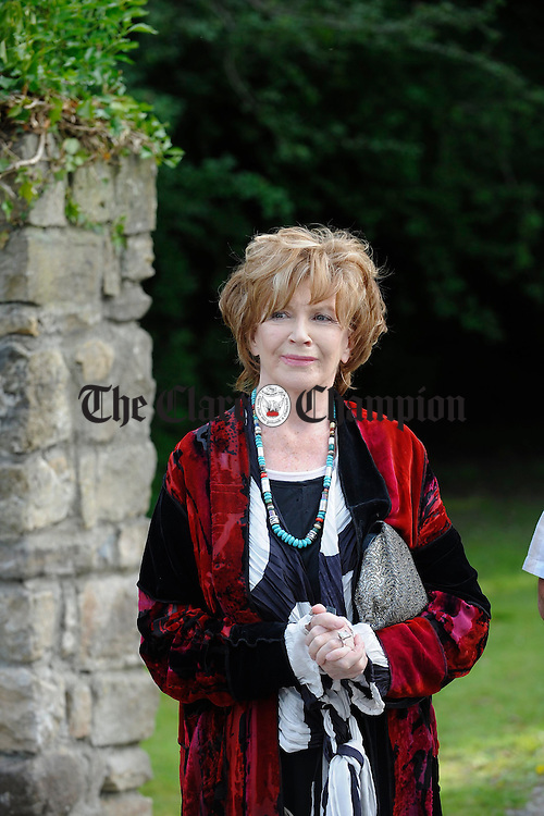 Writer Edna O Brien at the unveiling of a commemorative wall plaque by the local Development Association to mark the writers birthplace at the entrance to Drewsboro House in Tuamgraney. Photograph by John Kelly.