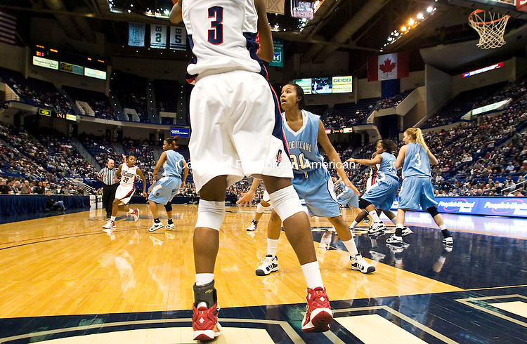 HARTFORD, CT - 22 NOVEMBER 2008 -112208JT04-<br /> UConn's Tiffany Hayes looks for a pass from the end line during Saturday's game against Rhode Island at the XL Center in Hartford. The Huskies won, 91-43.<br /> Josalee Thrift / Republican-American