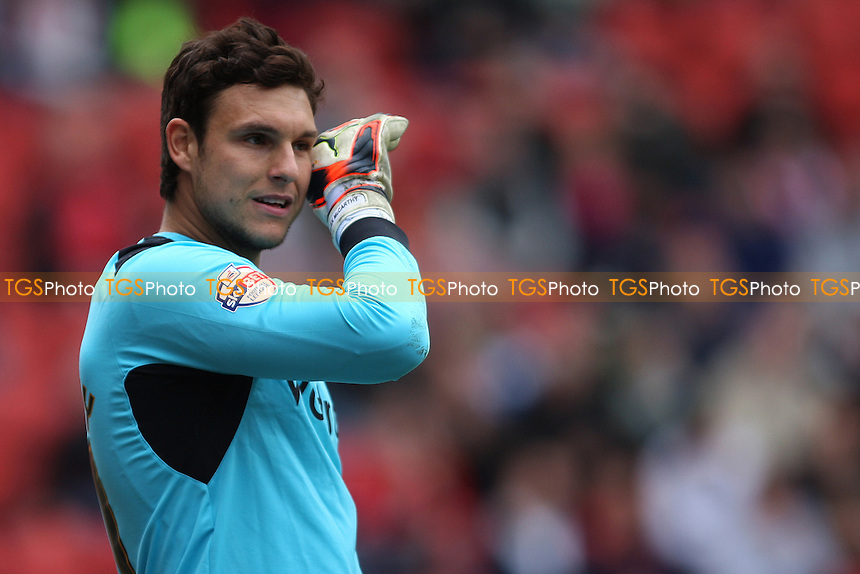 Alex McCarthy of Reading - Charlton Athletic vs Reading - Sky Bet Championship Football at the Valley, London - 05/04/14 - MANDATORY CREDIT: George Phillipou/TGSPHOTO - Self billing applies where appropriate - 0845 094 6026 - contact@tgsphoto.co.uk - NO UNPAID USE