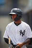 GCL Yankees West shortstop Roberto Chirinos (32) on deck during a game against the GCL Tigers West on August 10, 2018 at Yankee Complex in Tampa, Florida.  GCL Yankees West defeated GCL Tigers West 6-5.  (Mike Janes/Four Seam Images)