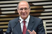 ATENÇÃO EDITOR: FOTO EMBARGADA PARA VEÍCULOS INTERNACIONAIS. SAO PAULO, 25 DE SETEMBRO DE 2012 - ALCKMIN CONGRESSO RADIODIFUSAO - O Governador Geraldo Alckmin durante o 17 Congresso de Radiodifusao do Estado de Sao Paulo - 90 anos do radio no Brasil - na Federacao das Industrias de Sao Paulo (FIESP), na manha desta terca feira (25), dia do radio, na Avenida Paulista, regiao central da capital. FOTO: ALEXANDRE MOREIRA - BRAZIL PHOTO PRESS