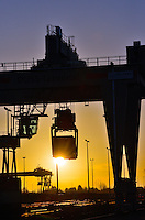 DUSS-Terminal Hamburg-Billwerder: EUROPA, DEUTSCHLAND, HAMBURG, (EUROPE, GERMANY), 02.02.2014: Deutsche Umschlaggesellschaft Schiene–Straße (DUSS) mbH, Terminal Hamburg-Billwerder ist eine wichtige Schnittstelle für den Umschlag von Ladeeinheiten zwischen Strasse und Schiene sowie im nationalen und internationalen Umsteigeverkehr zwischen Gueterzuegen.