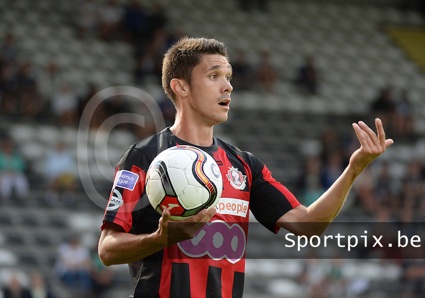 20150807 - ROESELARE, BELGIUM: Seraing's Miguel Dachelet pictured during the Proximus League match between KSV Roeselare and RFC Seraing , in Roeselare , Friday 7 August 2015, on the 1st day of the Belgian second division soccer championship. PHOTO DAVID CATRY