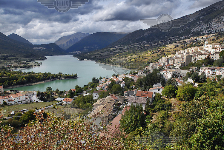 View of the village of Barrea and its artificial lake.