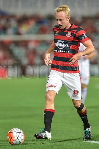 26.02.2016. Pirtek Stadium, Parramatta, Australia. Hyundai A-League. Western Sydney Wanderers versus Perth Glory. Wanderers midfielder Mitch Nichols.