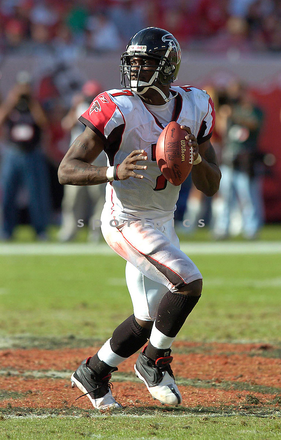 Michael Vick during the Atlanta Falcons v. Tampa Bay Buccaneers game on December 5, 2004...Tampa Bay wins 27-0..Chris Bernacchi / SportPics
