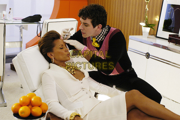 """VANESSA WILLIAMS & MICHAEL URIE.in Ugly Betty.""""Pilot""""  .**Editorial Use Only**.CAP/FB.Supplied by Capital Pictures"""