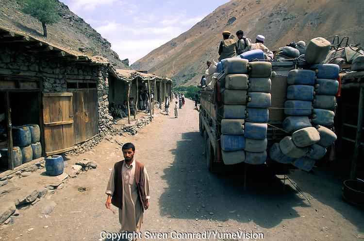 Khenj bazar, capital of Afghan Emeralds