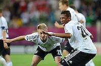FUSSBALL  EUROPAMEISTERSCHAFT 2012   VIERTELFINALE Deutschland - Griechenland     22.06.2012 Marco Reus (li) und Jerome Boateng (re, beide Deutschland)  jubeln nach dem  4:1