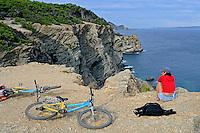 Ciclista na Ilha Porquerolles. França. 2008. Foto de Ricardo Azoury.