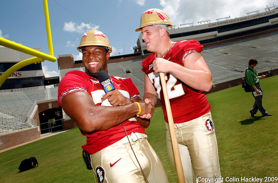 TALLAHASSEE, FL. 8/9/09-FSU-WATSON THACKER 0809 CH01-Florida State line backer Dekoda Watson, left, and defensive end Budd Thacker joke around during media day Sunday in Tallahassee...COLIN HACKLEY PHOTO