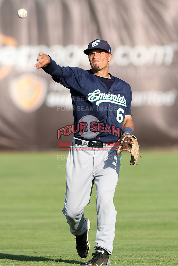 Eugene Emeralds shortstop Jace Peterson #6 before game against the Salem-Keizer Valcanoes at Valcanoes Stadium on August 9, 2011 in Salem-Keizer,Oregon. Eugene defeated Salem-Keizer 13-7.(Larry Goren/Four Seam Images)
