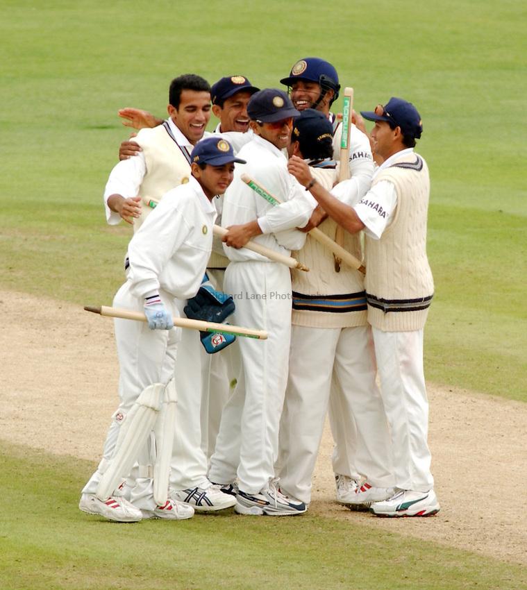 Photo. Jed Wee.England v India, 3rd Npower Test, Headingley, Leeds. 26-8-2002..India celebrate victory.