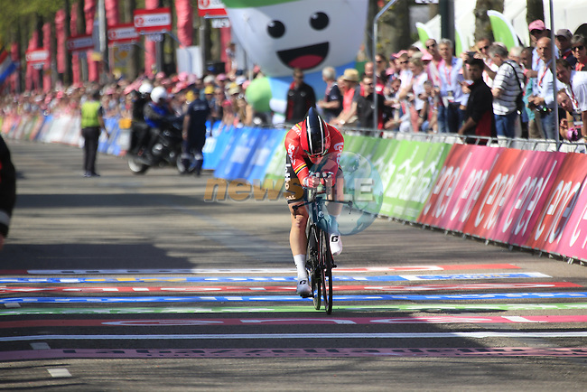 Jurgen Roelandts (BEL) Lotto-Soudal crosses the finish line of Stage 1 of the 2016 Giro d'Italia, an individual time trial of 9.8km around Apeldoorn, The Nethrerlands. 6th May 2016.<br /> Picture: Eoin Clarke | Newsfile<br /> <br /> <br /> All photos usage must carry mandatory copyright credit (&copy; Newsfile | Eoin Clarke)