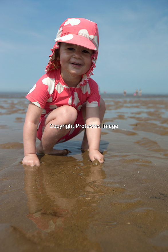 08/05/16 <br /> <br /> Delilah Allay (2) joins sunseekers flocking to bask in the hot weather on Hunstanton beach, Norfolk, this afternoon.<br /> <br /> All Rights Reserved: F Stop Press Ltd. +44(0)1335 418365   +44 (0)7765 242650 www.fstoppress.com