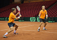 11-sept.-2013,Netherlands, Groningen,  Martini Plaza, Tennis, DavisCup Netherlands-Austria, Dutch team practice , Thiemo de Bakker(R) and Jesse Huta Galung (NED)   <br /> Photo: Henk Koster