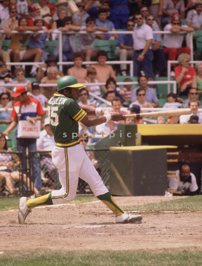 Oakland A's Manny Sanguillen  (35) in action during a game from the 1977 season with the Oakland A's. Manny Sanguillen played 13 years with 2 different teams and was a 3-time All-Star.(SportPics)