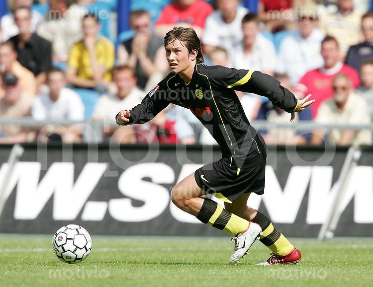Fussball 1. Bundesliga Saison 2004/2005  Tomas ROSICKY, Einzelaktion am Ball Borussia Dortmund