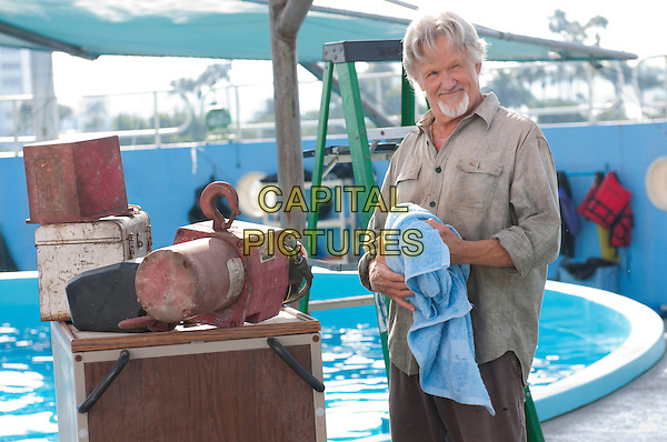 KRIS KRISTOFFERSON.in Dolphin Tale.*Filmstill - Editorial Use Only*.CAP/FB.Supplied by Capital Pictures.
