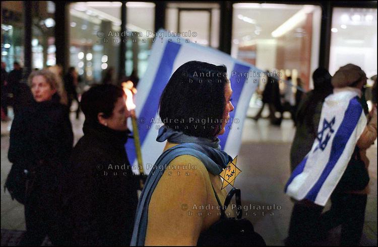 Italia, Milano.<br /> Manifestazione in occasione della Giornata Della Memoria. <br /> Italy, Milan.<br /> Demonstration for the Shoah memory.