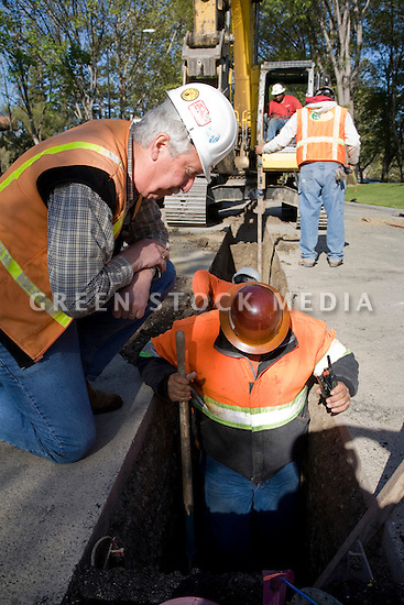 Evaluating the water pipeline during construction. The cities of Palo Alto and Mountain View are jointly constructing a reclaimed water pipeline to carry recycled water from the Palo Alto Regional Water Quality Control Plant to customers along East Bayshore Parkway and Mountain View's North Bayshore area.