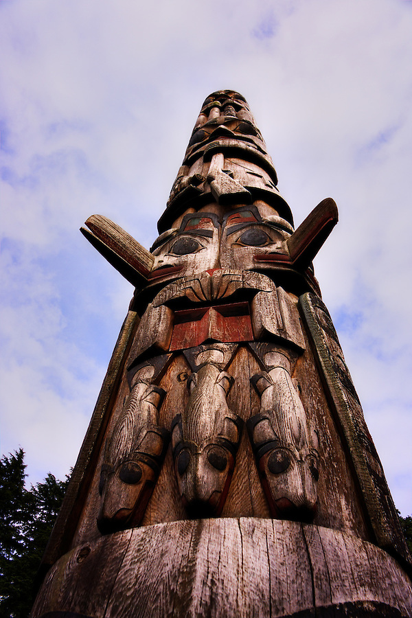 Bicentennial Pole, Sitka National Historical Park, Sitka, Alaska, USA