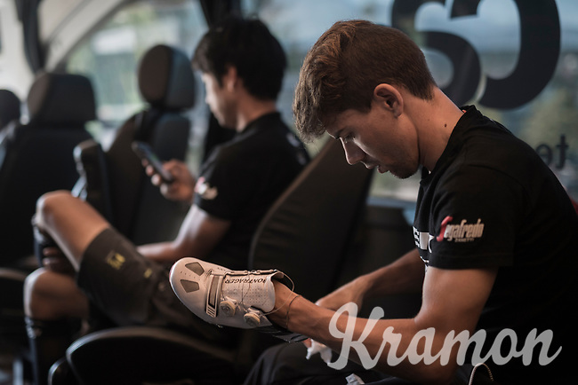 Andr&eacute; Cardoso (POR/Trek-Segafredo) cleaning his race shoes ahead of the start<br /> <br /> 69th Crit&eacute;rium du Dauphin&eacute; 2017<br /> Stage 8: Albertville &gt; Plateau de Solaison (115km)
