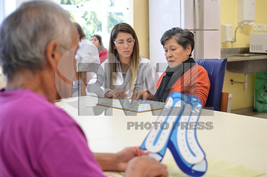 SAO PAULO, 04 DE JUNHO DE 2013 - ALCKMIN ROBOTICA E NEUROMODULACAO - Inauguraçãoo do Laboratório de Robótica e Neuromodulação, na Unidade Vila Mariana de Reabilitação Lucy Montoro, do Hospital das Clinicas, região sul da capital, que contou com a participação do Governador Geraldo Alckmin, na manhã desta terça feira, 04. (FOTO: ALEXANDRE MOREIRA / BRAZIL PHOTO PRESS)