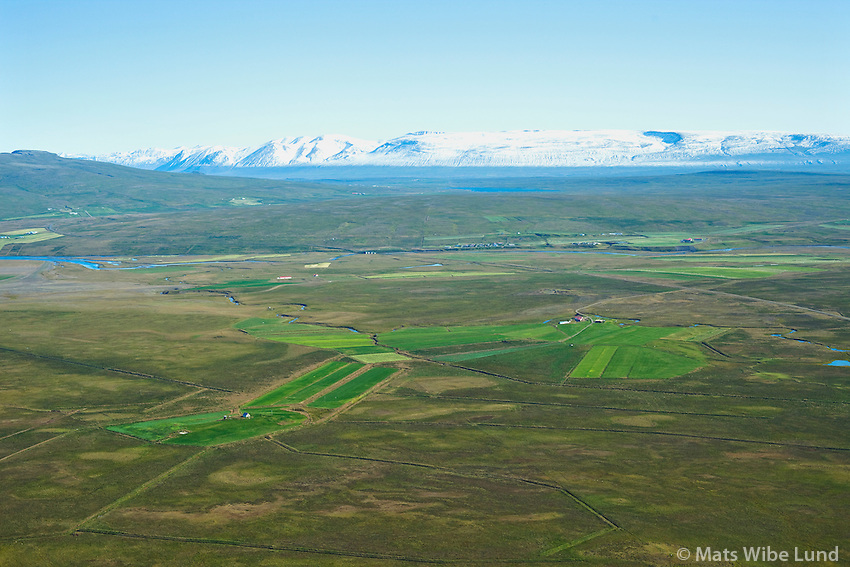 Efri-Svertingsstadir and Nedri-Svertingsstadir viewing east. Hunathing vestra former Ytri-Torfustadahreppur.