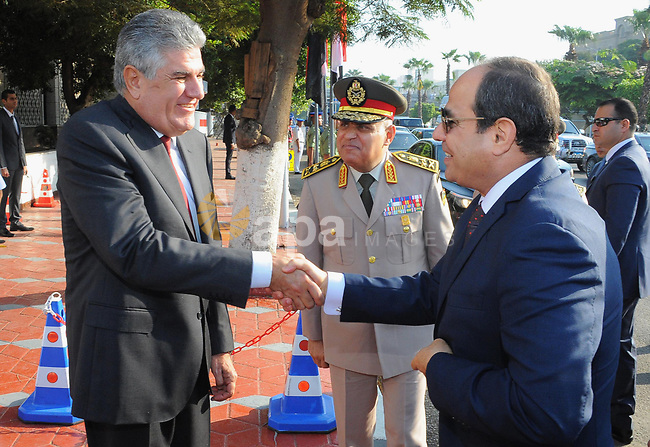 Egyptian President Abdul Fattah al-Sisi visits the former Egyptian President Gamal Abdel Nasser during a ceremony at the memorial of the Unknown Soldier and tombs of late Egyptian presidents on October 4, 2017 in Cairo, as part of the celebrations marking the 42th anniversary of October War Victory. Photo by Egyptian President Office