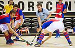 Almere - Zaalhockey  Laren-SCHC (heren)   .  Robbert van de Peppel , links Daan Dullemeijer  (SCHC)  TopsportCentrum Almere.    COPYRIGHT KOEN SUYK