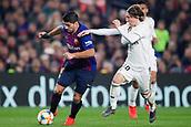 6th February 2019, Camp Nou, Barcelona, Spain; Copa del Rey football semi final, 1st leg, Barcelona versus Real Madrid; Luis Suarez of FC Barcelona breaks past Luka Modric of Real Madrid