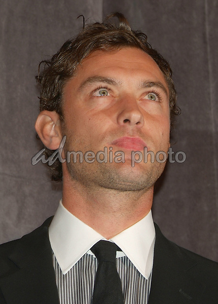 "10 September 2006 - Toronto, Ontario, Canada - Jude Law. ""All The Kings Men"" Press Premiere during the 2006 Toronto International Film Festival held at Roy Thomson Hall. Photo Credit: Brent Perniac/AdMedia"