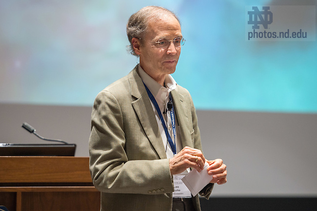Sept. 30, 2015; Host Leo Burke wraps up the Climate Investing conference. (Photo by Matt Cashore/University of Notre Dame)