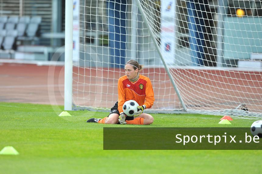 Iceland : UEFA Women's Euro Qualifying group stage (Group 3) - 21/09/2011 - 21:30CET (19:30 local time) - Laugardalsvöllur - Reykjavik : ICELAND (ijsland) - BELGIUM ( Belgie) : doelvrouw Sabrina Broos .foto DAVID CATRY / Vrouwenteam.be