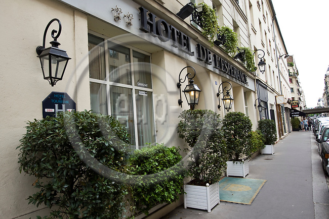 "PARIS - FRANCE - 08 MAY 2011 -- Paris travel city photos. -- PHOTO: Juha ROININEN / EUP-IMAGESPARIS - FRANCE - 08 MAY 2011 -- Paris travel city photos. -- The hotel de l'Esperance"" on Rue Pascal 15. -- PHOTO: Juha ROININEN / EUP-IMAGES"
