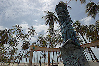 "RIOHACHA -COLOMBIA. 30-05-2014. Monumento ""Identidad"", del artista plástico Gino Márquez, ubicado al frente del Palacio de La Marina, sede de la administración departamental en Riohacha capital del Departamento de la Guajira, Colombia. / ""Identity"" Monument of artist Gino Marquez, located in front of the Palacio de La Marina, home of the departmental administration of Riohacha capital of the deparment of Guajira, Colombia. Photo: VizzorImage/ Gabriel Aponte / Staff"