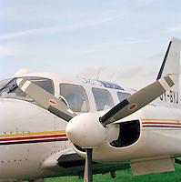 Oktober 1993. Vliegtuig Aero Data op de luchthaven van Deurne.