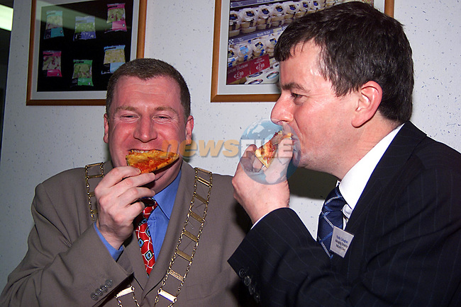 The Mayor of Drogheda Malachy Godfrey and Managing Director Paddy Callaghan, getting stuck in... at The open night in Nature's Best. ..PicTony Campbell Newsfile
