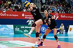 03.12.2017, Halle Berg Fidel, Muenster<br />Volleyball, Bundesliga Frauen, Normalrunde, USC MŸnster / Muenster vs. Rote Raben Vilsbiburg<br /><br />Annahme Laura KŸnzler / Kuenzler (#5 Vilsbiburg), Lena Stigrot (#14 Vilsbiburg)<br /><br />  Foto &copy; nordphoto / Kurth
