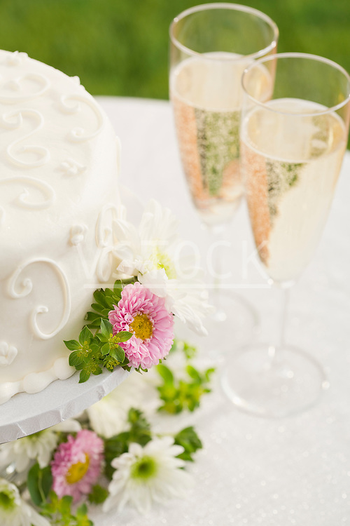 Wedding cake and champagne flutes