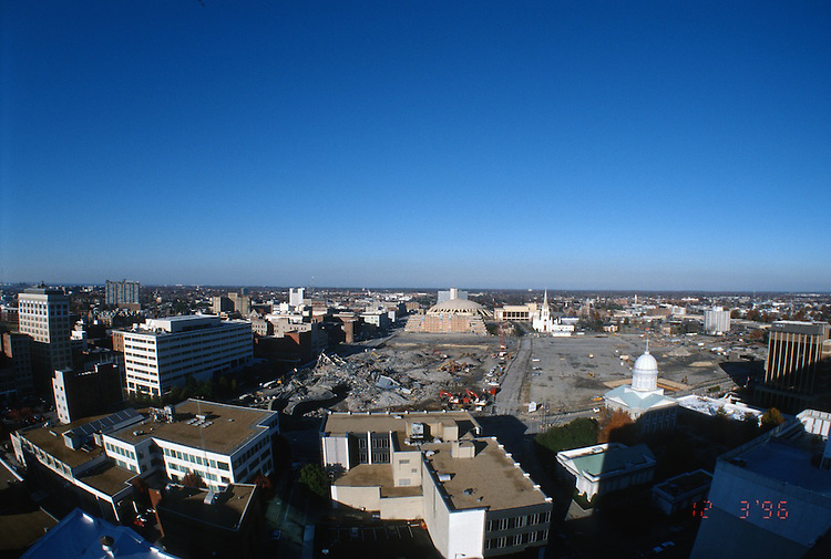 1996 DECEMBER 03..Redevelopment..Macarthur Center.Downtown North (R-8)..LOOKING NORTH.SUPERWIDE...NEG#.NRHA#..