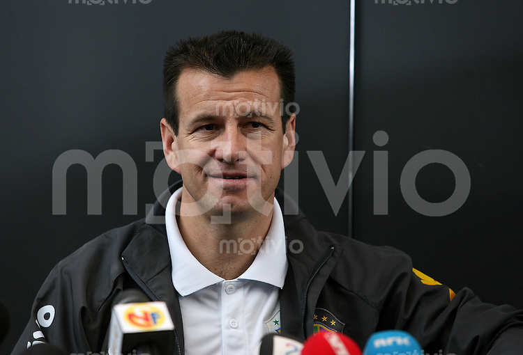 Fussball International Training Brasilien Pressekonferenz, Trainer Carlos Dunga