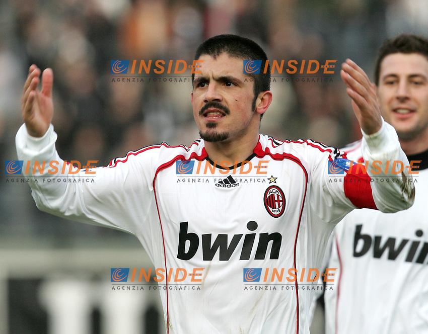 Esultanza di Gennaro Gattuso che incita i tifosi a fine partita<br /> Italian &quot;Serie A&quot; 2006-07<br /> 17 Feb 2007 (Match Day 24)<br /> Siena-Milan (3-4)<br /> &quot;Artemio Franchi&quot;-Stadium-Siena-Italy<br /> Gennaro Gattuso celebrates with Milan fans at the end of the match<br /> Photographer: Andrea Staccioli INSIDE