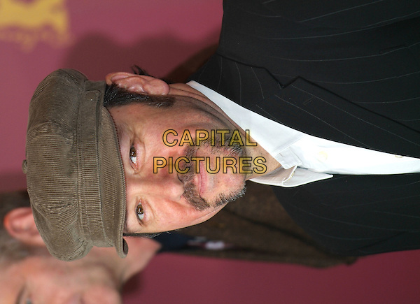 "KEVIN SPACEY.Photocall for ""Beyond the Sea"".Berlin International Film Festival,.Berlin, Germany, February 13th 2005..portrait headshot green flat cap hat beard facial hair.Ref: KRA.www.capitalpictures.com.sales@capitalpictures.com.©Capital Pictures."