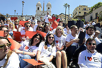 Roma, 9 Maggio 2014<br /> 'I Love EU' - Flash mob organizzato da Scelta Civica in occasione della Festa dell'Europa.<br /> Stafania Giannini, ministra dell'istruzione, posa con i giovani di Scelta Civica in piazza di Spagna sulla scalinata di Trinita' dei Monti per la campagna 'I Love EU'