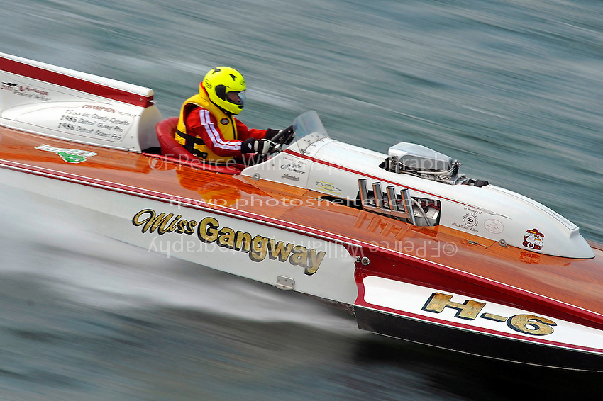 "Lyle Dinsmore, H-6 ""Miss Gangway"" (1973 Lauterbach 7 Litre Div. I hydroplane)"